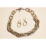 Mix Metal Detail Chain Necklace Set